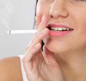 Quali sono i danni del fumo sui denti?