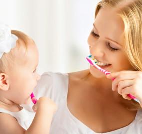 Lavarsi i denti: sai davvero come si fa?