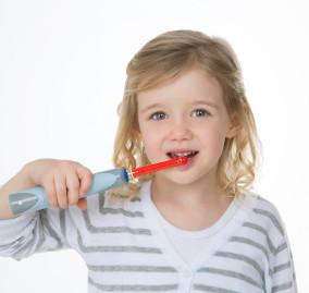 La salute orale dei più piccoli: lo spazzolino elettrico per bambini
